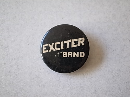 BADGE / EXCITER