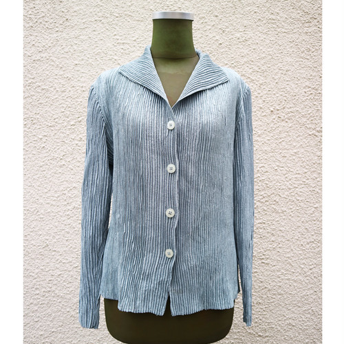 Blue pleats shirt