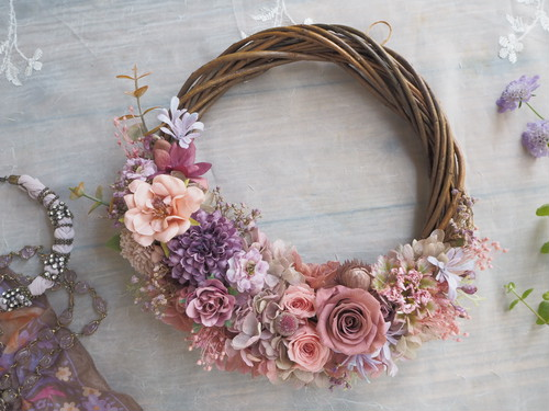 Romantique vieux rose*ハーフムーンリース*プリザーブドフラワー*アンティーク*リース*お花*ギフト*結婚祝い*記念日*新築祝い*引っ越し祝い