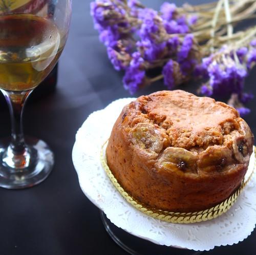 【2~3人用ミニホール】楽園(バナナとシナモン、ラムのケーキ)<お酒を使った大人の焼き菓子>