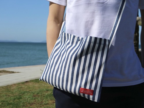ThreeArrowsサコッシュ(navy stripes)