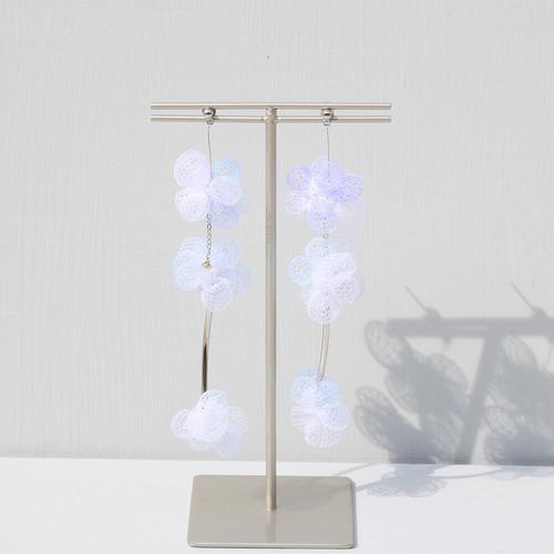 空気を纏うアクセサリー 3連pierces (white)