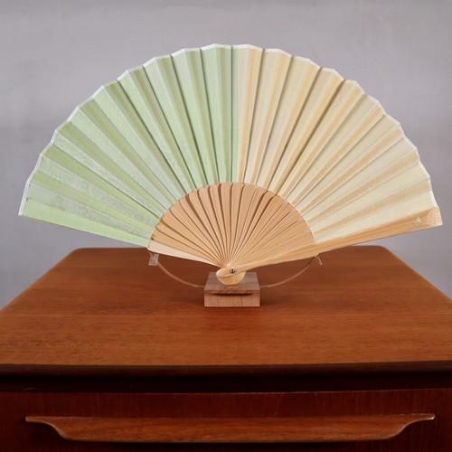 宮脇賣扇庵×eiziyaZOUコラボ扇子「若草×黄蘗 一越織アンティークレース紋」