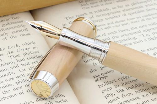 受注制作「 14金無垢ペン先万年筆 シンプリシティー そとめ産 椿 」Viriditas手作りペン