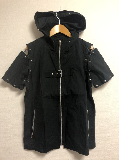 late2000's suburban goth hooded S/S top