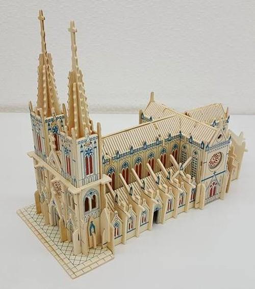 【送料無料】3D立体 木製パズル  カトリック教会聖心大教堂