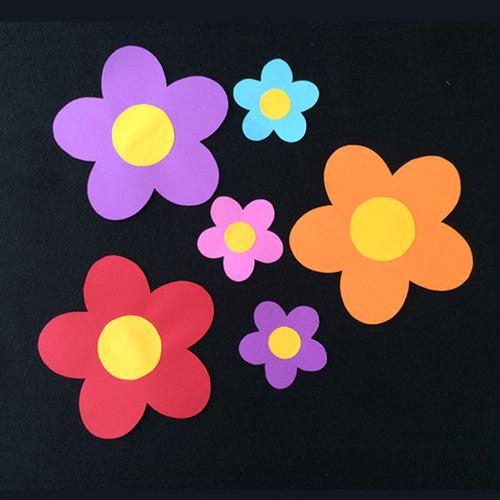 お花の壁面装飾