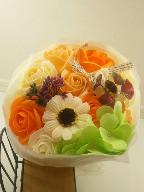 ソープフラワーbouquet de savon roses  ガーベラアレンジ