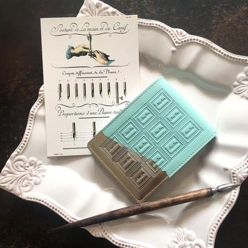 訳あり:革のミントチョコ メモ帳カバー(銀の包み紙)