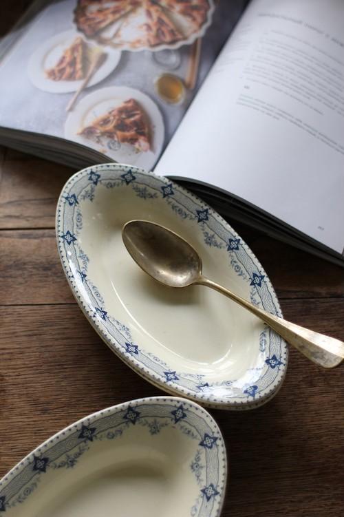 Choisy le Roi オーバル皿