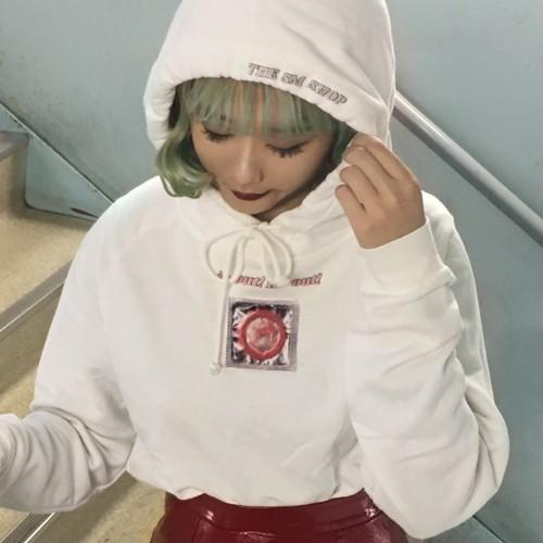 IN OUT(性行為)hoodie