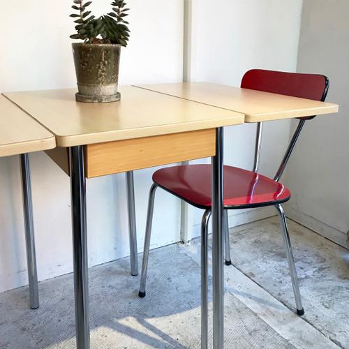 """TAVO"" Style Draw leaf Cafe Table ベルギー"
