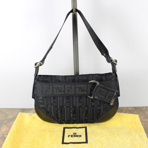 .FENDI ZUCCA PATTERNED BACKET BAG MADE IN ITALYフェンディズッカ柄バケットバッグ(ワンショルダー) 2000000040431
