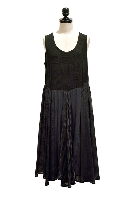 ANSEASON ANREALAGE / PANEL PATCHWORK DRESS / BLACK