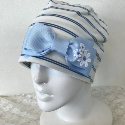 片側お花とパールのケア帽子 白×水色