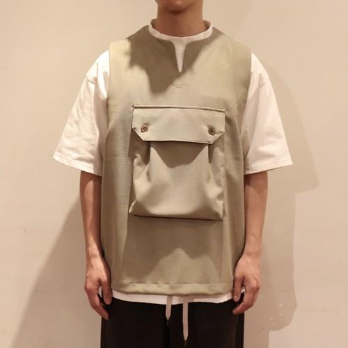 【Audience】 Reflax® Polyester Linen like Big Pocket Vest オーディエンス ポリエステル リネンライク ビッグポケット キーネック ベスト