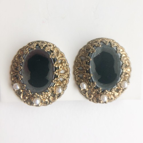 GERMANY gold filiglee cameo earring[e-1250] ヴィンテージイヤリング