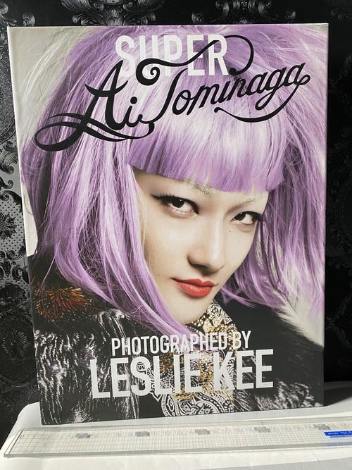 SUPER TOMINAGA   BY LESLIE KEE