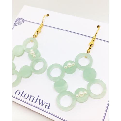 Shower Dot × Acrylic《オパールグリーン》 ピアス or イヤリング