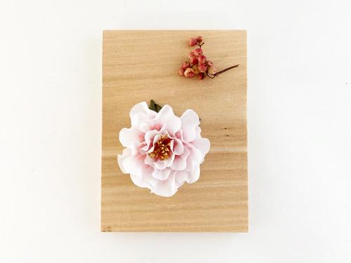 Corsage : 小さな八重咲きローズのコサージュ