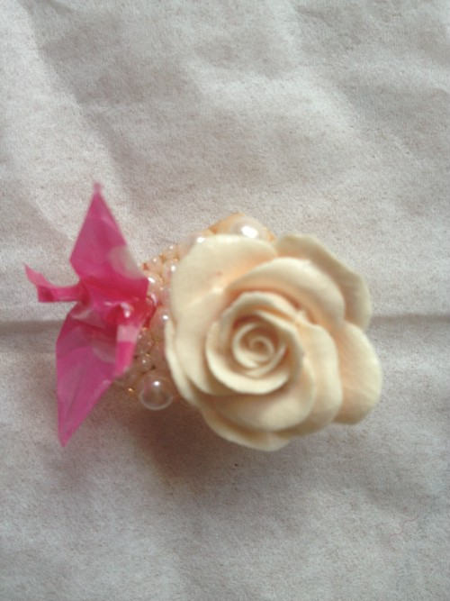 W8薄ピンク薔薇帯留め