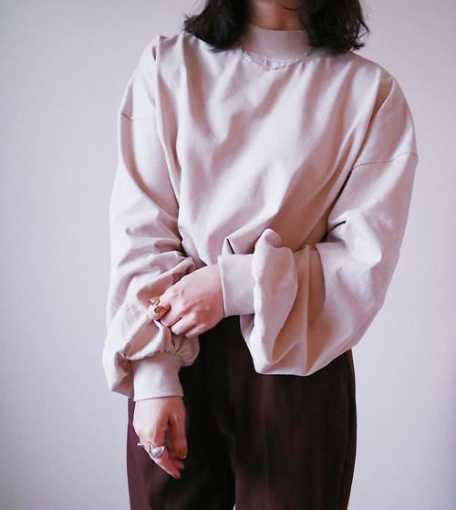 【beige】モックネックプルオーバー