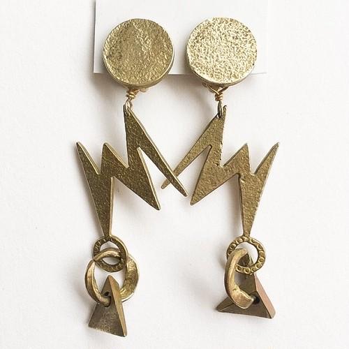 gold thunder earring[e-921]