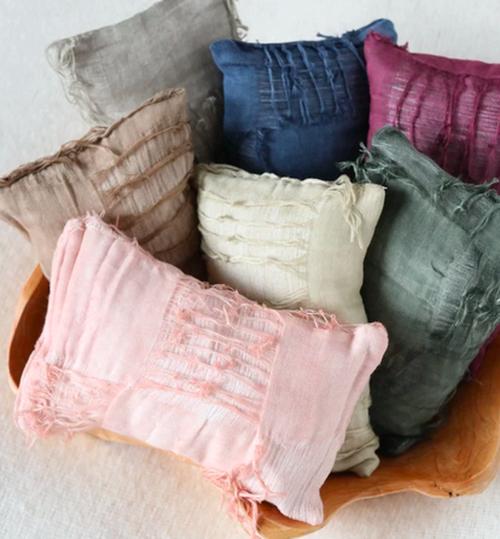 ダメージ加工のニューボーンフォト枕