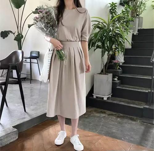 【送料無料】ウエストリボン バックリボン ワンピース ドレス 韓国 フレア 茶色 ブラウン カーキ スカート ボタン 秋