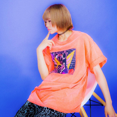 """Ghost World Town""Tシャツ/NEON RED ORANGE LISTLESS"