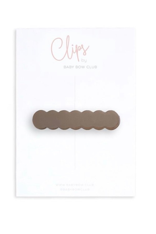 BABY BOW CLUB Scallop Clip // Cocoa