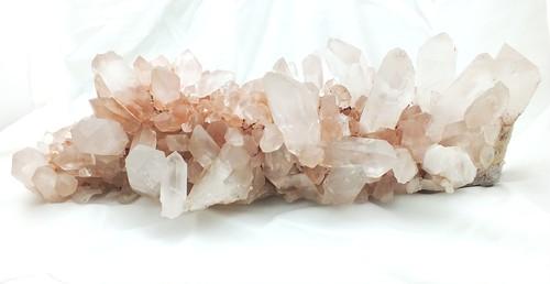 ヒマラヤ・マニカラン産「水晶クラスター」(ピンク) 超大型サイズ 特大原石 約7kg