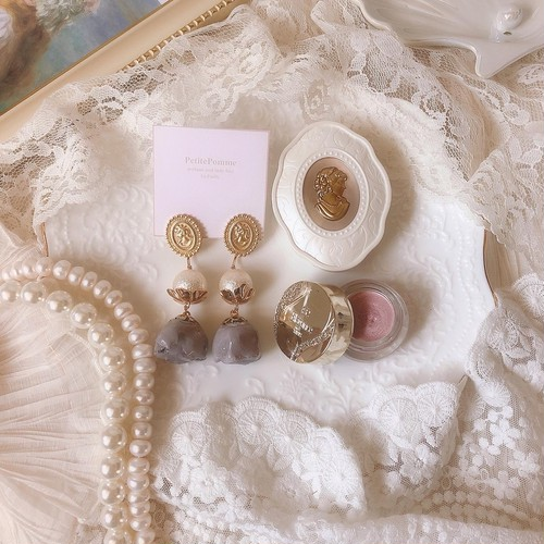 〘ピアス限定〙gold cameo & antique rose charm