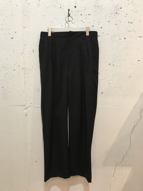 bukht 2−TUCK BAGGY TROUSERS