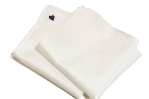胸ポケに髑髏!ホワイトスカルコットン・ポケットチーフ/ハート刺繍 2173-IMP4