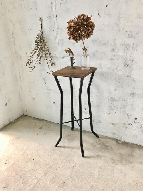 古材×アイアン脚の飾り台[古家具]