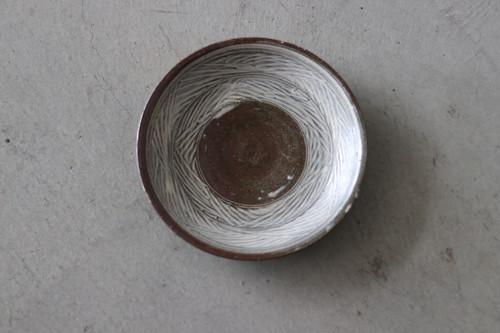 井上茂 彫り三島皿7寸 19