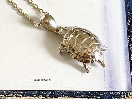 水亀のネックレス
