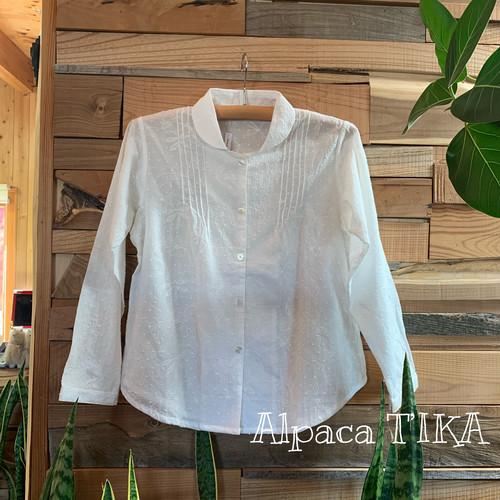 白い刺繍のコットンブラウス(丸襟・ボタニカル柄総刺繍)