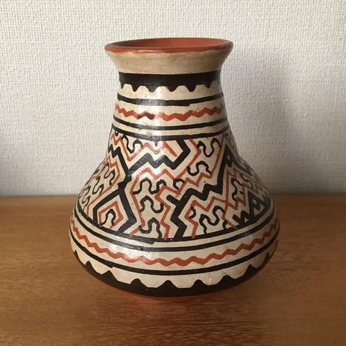 素焼きの壺 小 水瓶型 花瓶サイズ 焼き物