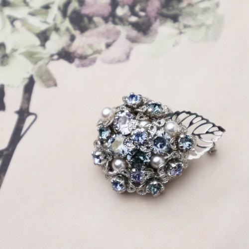 スワロフスキーの紫陽花ブローチ ブルー