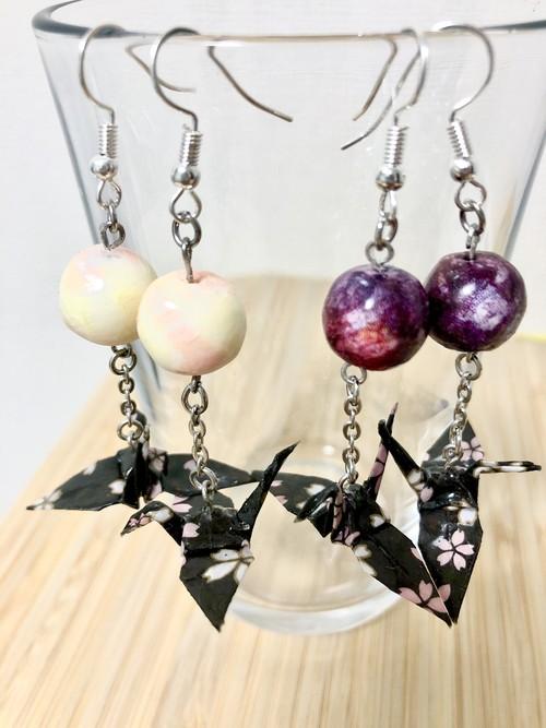 珠鶴ピアス(紫/黒)