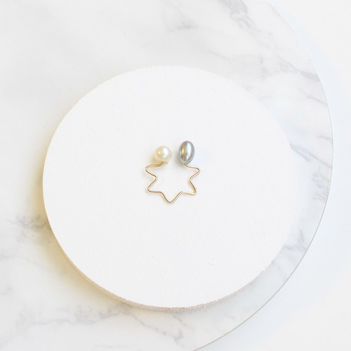 ■star shape pearl pierce -gray-■ スターシェイプパールピアス グレー