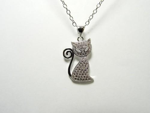 ネックレス 猫のジュリアス 銀色