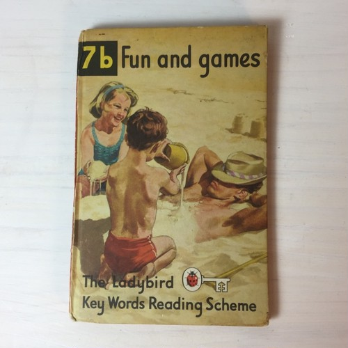 BOOK Ladybird Books 7b『Fun and games』
