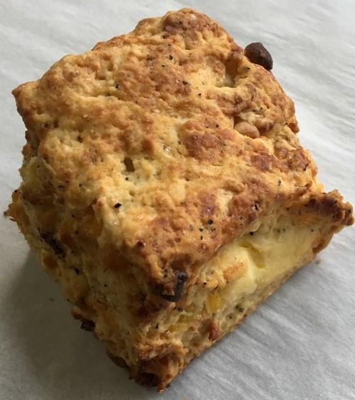 紅茶パインクリームチーズのスコーン