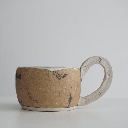 矢尾板克則 2 色絵マグカップ(ワイド) 茶色