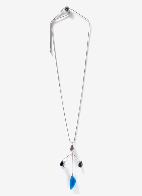 LONG NECKLACE WITH RESINE PENDANTS