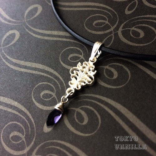 MYSTERIOUS violet - Iolite -