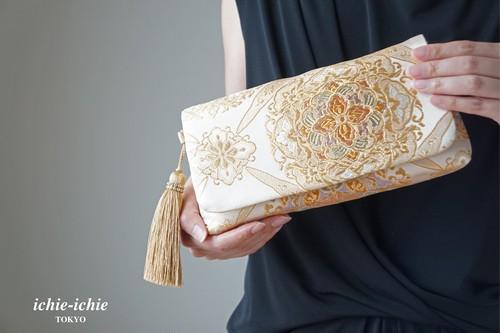 【ベージュ&ゴールド シルク帯 2wayクラッチバッグ& ハンドバック】結婚式、パーティー、日常使いに。帯リメイク 帯バッグ